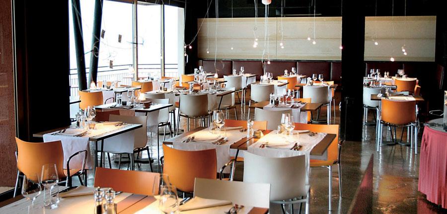 Hotel Primaluna, Malcesine, Lake Garda, Italy - Restaurant interior.jpg